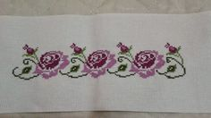 Large exellently done vintage handmade cross-stitch embroidery on bone white linen table-cloth with clover/ forgetmenot flower motive Cross Stitch Art, Cross Stitch Borders, Cross Stitching, Cross Stitch Embroidery, Embroidery Patterns, Cross Stitch Patterns, Sketch 4, Linen Tablecloth, Bargello