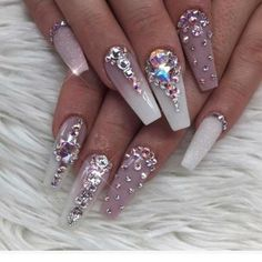 Pretty Diamond Nail Art Designs, Wearing diamonds on your nails may simply be the epitome of luxury. Diamond Nail Designs, Diamond Nail Art, Nail Art Designs, Nail Crystal Designs, Nail Art Rhinestones, Rhinestone Nails, Bling Nails, Bling Nail Art, Beautiful Nail Art