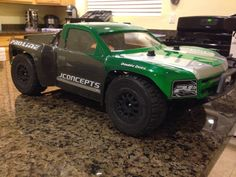 Pro-Line 09 SILVERADO body on Traxxas Slash