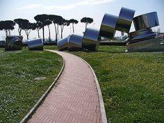 « Exegi monumentum aere perennius », colonne brisée d'Anne et Patrick Poirier en Italie Source