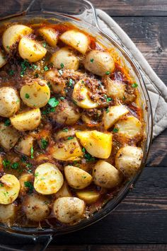 Hearty vegan Spanish potatoes recipe with bread, garlic and saffron!