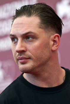 Tom Hardy... He can't help it but look so damn fine