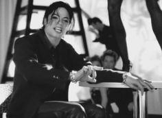"""6 mentions J'aime, 2 commentaires - Michael Jackson (@humanxnature) sur Instagram: """"Sry for being so damn inactive - #michaeljackson #mjj #mj #mjjackson #mjjfan #goregeous #beautiful…"""""""