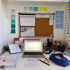 Study Room Decor, Study Rooms, Study Areas, Study Space, Study Desk Organization, Desk Inspiration, Study Photos, School Study Tips, Study Hard