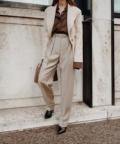 May 2020 - Loose long pleated high waist suit pants, perfectly styled with chic casual blazer Beige Outfit, Costum, Look Zara, Beige Suits, Retro Bathing Suits, Suits Tv Shows, Look Office, Neck Designs For Suits, Winter Mode