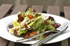 Ich kenne Caesar's Salad eigentlich schon solange ich denken kann und bin ihm schon in vielen Formen begegnet. Manche gut, manche erschreckend. Die guten tendenziell in den USA, die erschreck…