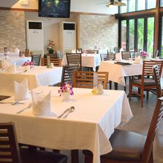 Aquatini riverside restaurant and bar located in the Navalai River Resort.  Welcome to enjoy the delicious Thai and European foods. Website: http://ift.tt/1U352Yr Navalai Office at : 45/1 Phra Athit Road Khao San Road Area  Phra Nakorn 10200 Bangkok Thailand.  Tel : 66(0)2 280 9955  Fax : 66(0)2 280 9966  General Enquiry Email : Info@navalai.com  Reservation Enquiry : rsv@navalai.com #aquatinirestaurant #aroi #aquatini #reception #romantichotel #resort #riverside #restaurant #navalai…