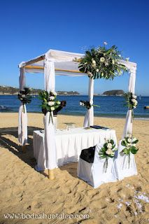 Montaje de ceremonia ideal para tu boda en playa por Bodas Huatulco