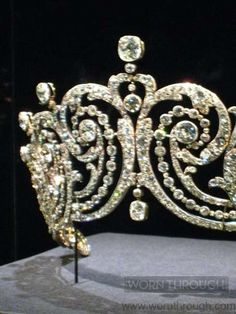 1902 Essex Tiara: a gift from the Earl of Essex to his second wife, Adele Grant, by Cartier.  Worn by Clementine Churchill at the Coronation of Queen Elizabeth in 1953.