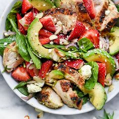 9 Dinner Salads That Won't Leave You Hungry Strawberry, Avocado, and Chicken Spinach Salad Avocado Spinach Salad, Spinach Salad With Chicken, Spinach Strawberry Salad, Spinach Stuffed Chicken, Avocado Chicken, Grilled Chicken, Balsamic Chicken, Pinapple Salad, Avocado Food