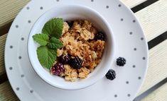 3 jednoduché recepty s černicami Oatmeal, Breakfast, Food, The Oatmeal, Morning Coffee, Rolled Oats, Essen, Meals, Yemek