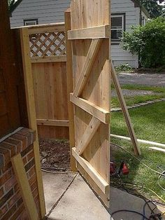 How to Build a Wooden Gate Professionally (with Pictures)   eHow#page=0#page=0