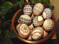 Velikonoce Egg Art, Egg Decorating, Gourds, Easter Eggs, Wire, Embellishments, Pumpkins, Gourd, Cable
