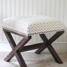 want to make a couple of these for the end of the bed, somewhere to sit and put shoes on - hate messing up my bed when I sit on it to put shoes on