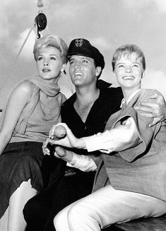 "Stella Stevens, Elvis and Laurel Goodwin photographed for ""Girls! Elvis Presley Live, Elvis Presley Movies, John Lennon Beatles, The Beatles, Stella Stevens, King Creole, The Ed Sullivan Show, Jailhouse Rock, Buddy Holly"