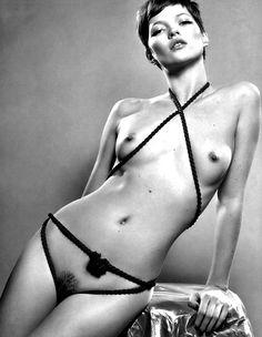 Kate Moss by Mert (Thx Stephanie)