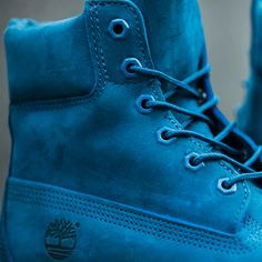 Shop the Timberland Womens 6 Inch Premium Boot in blue ink online & in store.