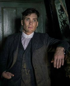 Season 5 of Peaky Blinders will return in 2019 and we have some details too. According to the Beeb, the fifth series will be set in a 'world thrown into turmoil by the financial crash of The en Serie Peaky Blinders, Peaky Blinders Season 5, Cillian Murphy Peaky Blinders, Peaky Blinders Tommy Shelby, Peaky Blinders Thomas, Guy Garvey, Blu Ray, Lauren Bacall, Michael Fassbender