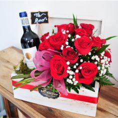 Luxury Flowers, Diy Flowers, Balloon Surprise, Work Anniversary, Valentine Box, Valentine Decorations, Flower Boxes, Flower Photos, Diy Gifts