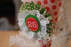 15 Minute Christmas Die Cut Gift Wrap