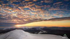 Wschód na Połoninie Caryńskiej.  /  Sunrise as seen from Carynska Meadow in Polish Bieszczady Mountains. Its name comes from the characteristic alpine meadows ( in Polish: poloniny) which cover the massive's 7 km long ridgeline.