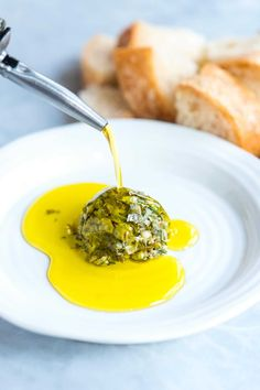 This easy ridiculously good and group-friendly olive oil dip comes together really quickly and it never fails. I mean, who doesn't want to dip bread into an herby, garlicky, parmesan cheese infused olive oil? Appetizer Dips, Appetizers For Party, Appetizer Recipes, Wine Appetizers, Dip Recipes, Cooking Recipes, Cooking Pasta, Bread Recipes, Cooking Tips