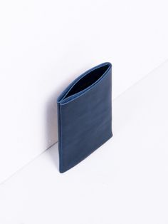 Otaat | Flap Card Holder