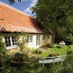 Historien fortæller, at det var hertil Marie Krøyer listede sig gennem skoven fra sit og P.S. Krøyers hjem, når hun skulle møde sin elsker ...  #skagen #denmark