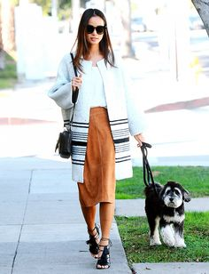 Jamie Chung Walks Her Dog, Looks Chic as Ever - Celebrity Street Style Jamie Chung, Suede Pencil Skirt, Suede Skirt, Leather Skirt, Pencil Skirts, Tan Leather, Looks Chic, Celebrity Look, Who What Wear