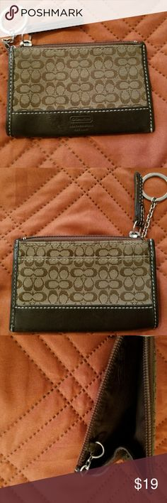 GUC Coach Keychain Coin Purse Gently used small coach coin purse. There is a small flaw near the bottom of the Coach imprint on the front, it's not easily noticeable. Coach Bags Clutches & Wristlets