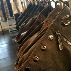 We just received a new shipment from Hammitt and we can't say enough about this line - the quality, attention to detail and gorgeous leathers… No closet is complete without Hammitt! #hammitt #bag #purse #clutch #accessory #accessories #accessorize #leather #luxury #organize #neutral #musthave #willow #willowboulder #willowmusthave