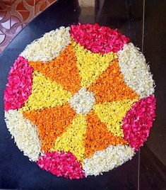 Rangoli Designs Flower, Rangoli Patterns, Colorful Rangoli Designs, Rangoli Ideas, Rangoli Designs Diwali, Flower Rangoli, Mehndi Designs, Flower Designs, Diwali Decorations At Home