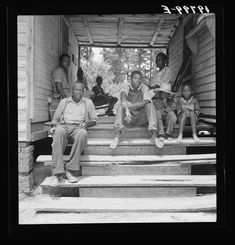 Secondat: sharecropper families of the 1930s  Mississippi