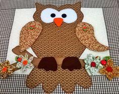 Cobre forno Coruja Owl Patterns, Applique Patterns, Applique Designs, Little Birds, Cute Crafts, String Art, Fabric Art, Quilt Blocks, Crochet Projects
