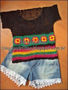Adriana Lima: Camisetinha Primavera com fundo preto