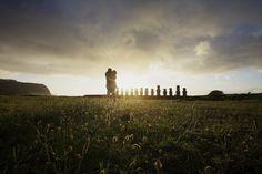 Coucher de soleil a Tongariki Rapa Nui ile de paques
