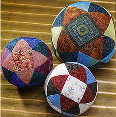 Jinny Beyer Patchwork Puzzle Balls. These remind me of Japanese temari balls.