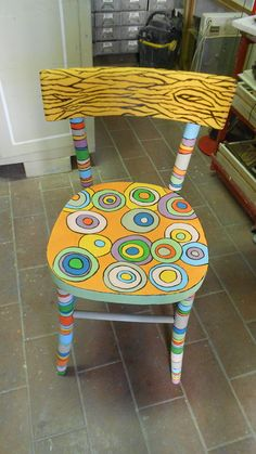 Small Accent Chairs For Living Room Key: 4157445869 Hand Painted Chairs, Whimsical Painted Furniture, Hand Painted Furniture, Funky Furniture, Recycled Furniture, Refurbished Furniture, Art Furniture, Furniture Projects, Painted Tables