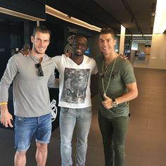 """Páči sa mi to: 1,713, komentáre: 34 – Saha Louis (@sahalouis88) na Instagrame: """"Lucky to have played with those two immense players. Such nice guys @cristiano @garethbale11…"""""""