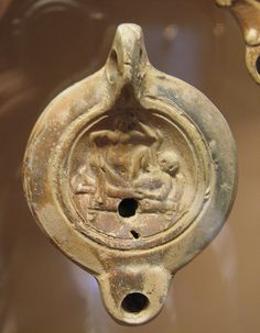 Oil lamp with erotic scene, Romisch-Germanisches Museum, Cologne Roman History, Art History, Ancient Romans, Ancient Art, Old Pottery, Art Of Love, 1st Century, Oil Lamps, Erotica