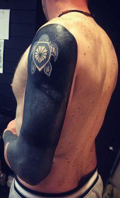 blackout tattoo ideas © tattoo artist Andrew Elliott (ZULU) 💕💕💕💕 Love Tattoos, Black Tattoos, Monster Tattoo, Solid Black Tattoo, Blackout Tattoo, Zulu, Tattoo Artists, Body Art, Tattoo Ideas