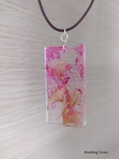 Handmade Necklace With Pink Resin Pendant With Dried Flowers And Leather Cord – Wedding Tones Leather Cord, Brown Leather, Handmade Copper, Resin Pendant, Gold Hair, Handmade Necklaces, Crystal Necklace, Dried Flowers, Diy Jewelry