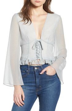 Crop Top Outfits, Casual Outfits, Fashion Outfits, Womens Fashion, Blouse Styles, Blouse Designs, Myanmar Dress Design, Quirky Fashion, Blouse Outfit