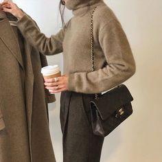 Korean Fashion Tips .Korean Fashion Tips Warm Outfits, Chic Outfits, Fashion Outfits, Womens Fashion, Fashion Trends, Fashion 101, Ladies Fashion, Hijab Fashion, Minimalist Chic