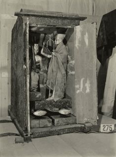 The Discovery of the Tomb of Tutankhamun: The Harry Burton Photographs | The Oriental Institute of the University of Chicago