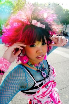 A great style explosion going on here! Japanese Streets, Japanese Street Fashion, Tokyo Fashion, Harajuku Fashion, Kawaii Fashion, Lolita Fashion, Asian Fashion, Fashion Outfits, Pastel Makeup
