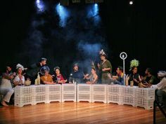"""""""Ο Σωσίβιος"""" είναι μία παράσταση χειροποίητη και δημιουργική, ένας ύμνος στην ανθρώπινη ευρηματικότητα! @thinkfree.gr"""