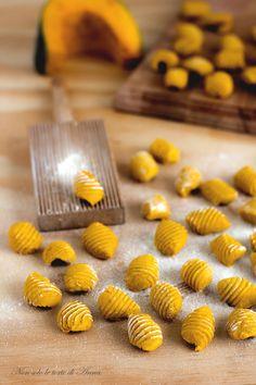 gnocchi di zucca Pasta Recipes, Vegan Recipes, Tasty, Yummy Food, Antipasto, Cooking Time, Finger Foods, Italian Recipes, Food Inspiration