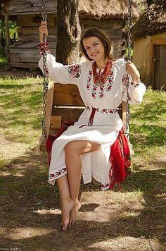 Ukraine/ photo by Ladna Kobieta/, from Iryna. Traditional Fashion, Traditional Dresses, Ukraine, Folk Fashion, Womens Fashion, Ethno Style, Barefoot Girls, Folk Costume, Costumes