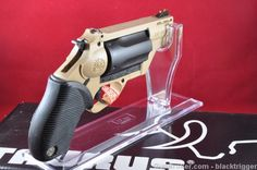 Awesome Guns, Cool Guns, Taurus Judge, Shooting Equipment, Revolvers, Pew Pew, Guns And Ammo, Concealed Carry, Bullets